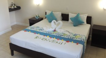 How 6 Airlines Accommodation Policies >> Free Airport Transfer Hotel La Roussette Guest House
